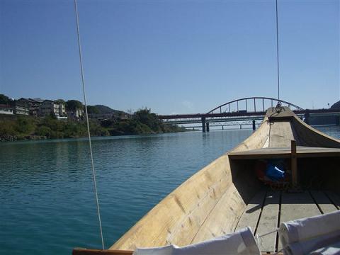 熊野川の三反帆舟に乗船