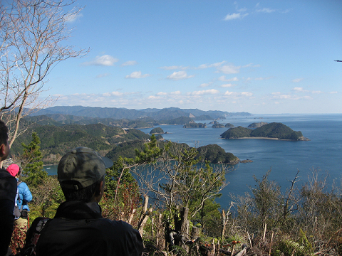 紀伊半島みる観る探検隊、紀伊の松島を眺めるツアー参加者