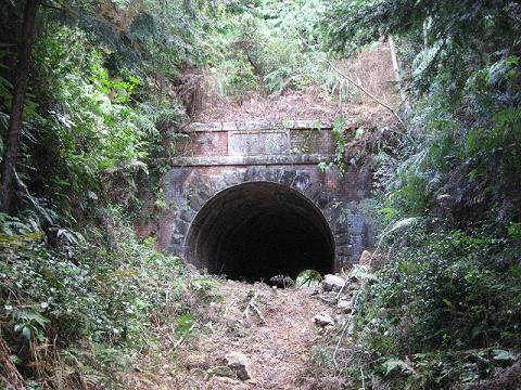 尾鷲市の産業遺産・旧坂下隧道