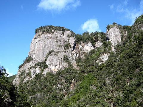 熊野市の大丹倉の岩峰