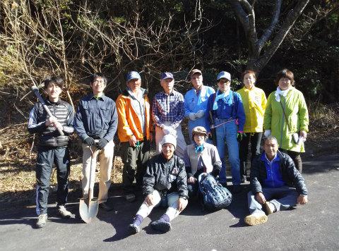 海山熊野古道の会や古里観光協会の皆さんが古道を刈り開きしました