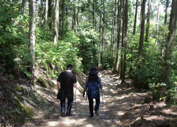 熊野古道中辺路・熊野本宮エコツアーの夫婦参加者