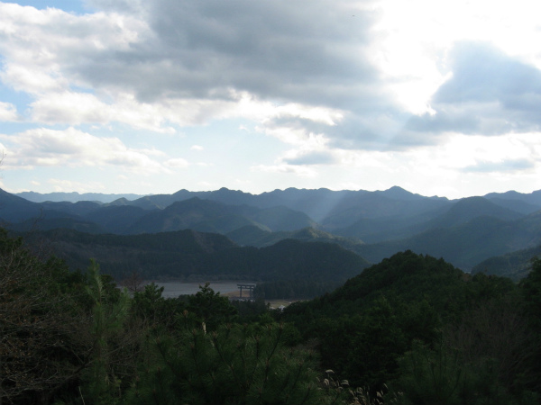 熊野古道中辺路の展望台から眺める大斎原