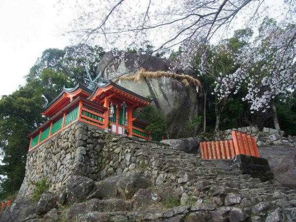 神倉神社のゴトビキ岩