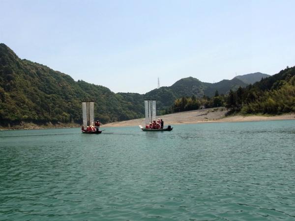紀伊半島みる観る探検隊にて熊野川をゆく三反帆2艘