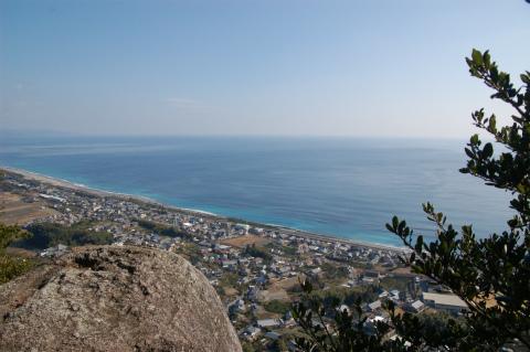 紀宝町井田のみさご岩から眺める七里御浜