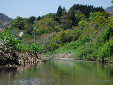 三重県御浜町の志原川