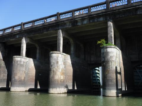 三重県御浜町の志原橋