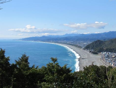 熊野古道伊勢路・松本峠展望台から眺める七里御浜