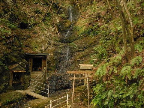 熊野古道伊勢路の馬越不動滝