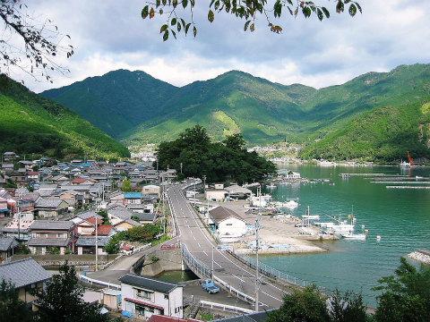 熊野古道伊勢路・曽根次郎坂太郎坂から眺める尾鷲市曽根町
