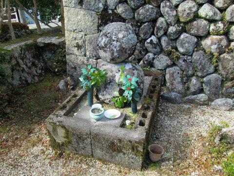 熊野市五郷町の油屋おこん供養碑