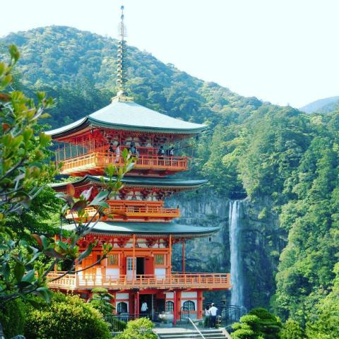 那智の滝と三重塔