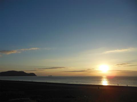 七里御浜の日の出