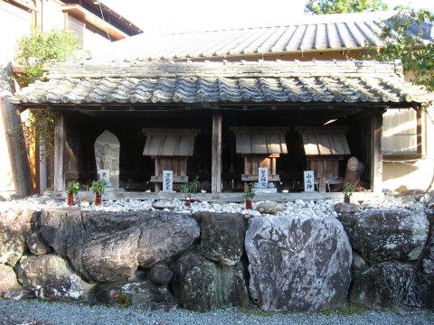 熊野古道伊勢路・神瀬の多種神祠