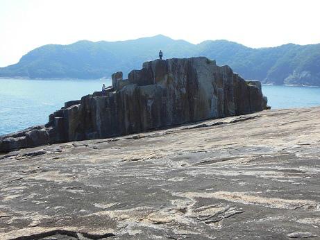 千畳敷と岩の上のネイチャーガイド