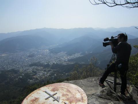 天狗倉山んの山頂にてZTV地域百景の撮影