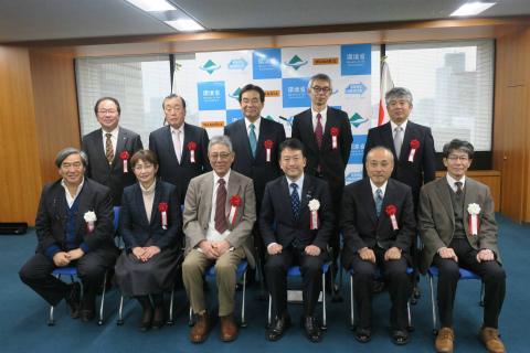 第13回エコツーリズム大賞表彰式にて関係者の団体写真
