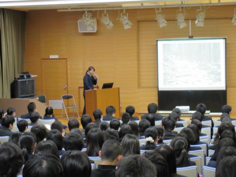 くまの体験企画代表の内山裕紀子が熊野古道の持続可能な観光について講演