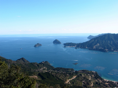 天狗倉山から眺める尾鷲湾と熊野灘