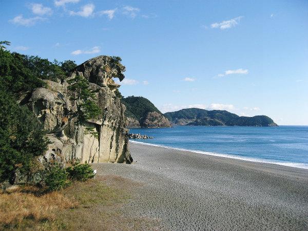 世界遺産・獅子岩と七里御浜