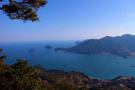天狗倉山から尾鷲湾と熊野灘の眺め