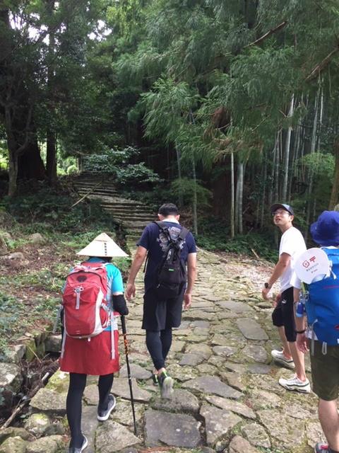 熊野古道大門坂を歩く